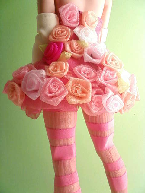 organdy_rose_dress_b.jpg