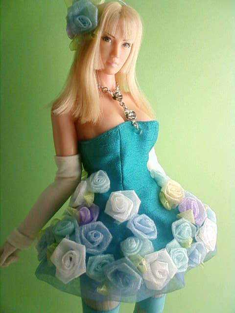 organdy_rose_dress_c.jpg