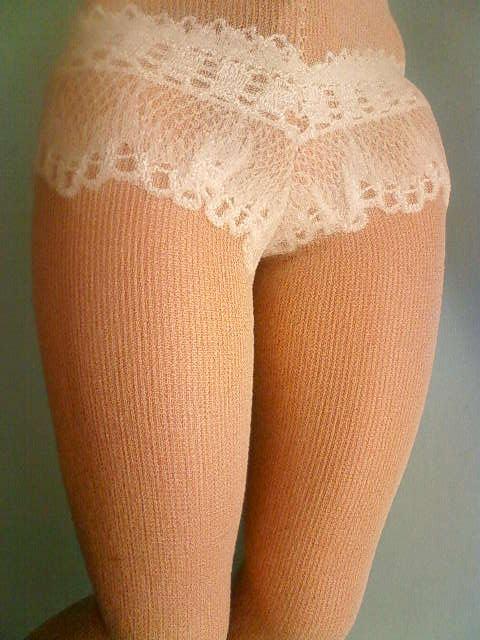 shorts_stockings_pumps_a.jpg