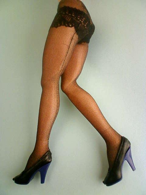 shorts_stockings_pumps_d.jpg