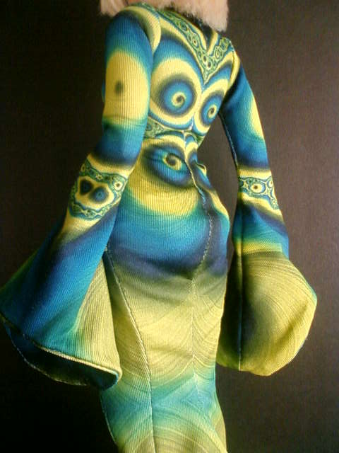 spiral_dress_blue_b.jpg