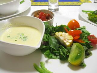 冷たいトウモロコシのスープ