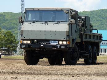 19-73式大型トラック-国際任務仕様(防弾ガラス+追加装甲板)