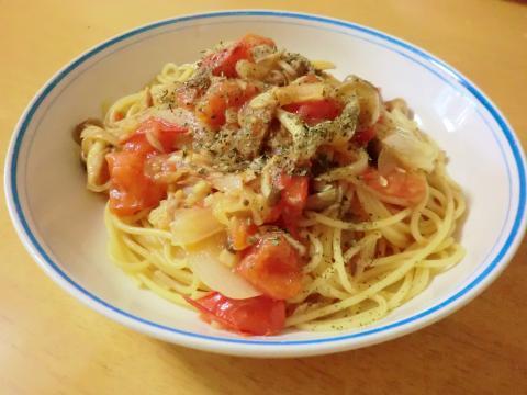 トマトとツナのパスタ