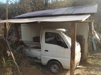 栗山の軽トラの車庫