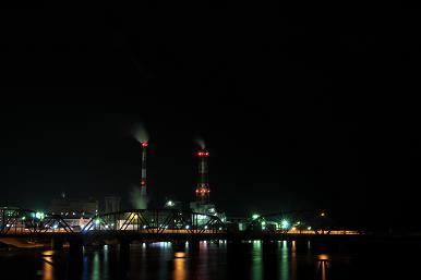 工場の明かり