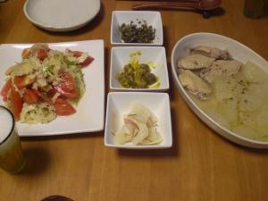 鶏手羽先と冬瓜の煮物他