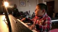 ボリビア 7歳ピアニスト