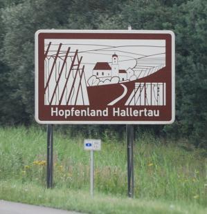 578px-Unterrichtungstafel_Hopfenland_Hallertau_(2009).jpg