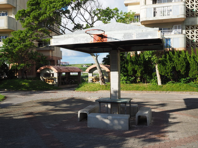 沖縄県営大頓団地のバスケットゴール