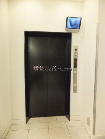 モニター付エレベーター