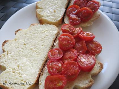 焼きトマトサンド