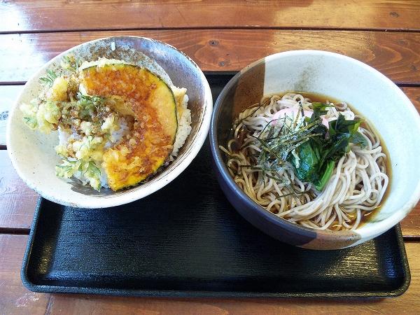 本日の定食(鯛天丼、冷そば) 700円 20130421