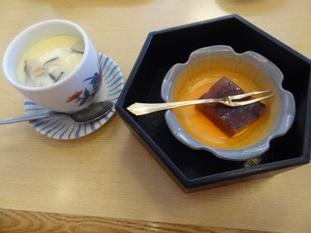 7段重ねの茶碗蒸しとデザート