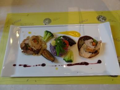 肉料理の「地鶏のガランティーヌ」