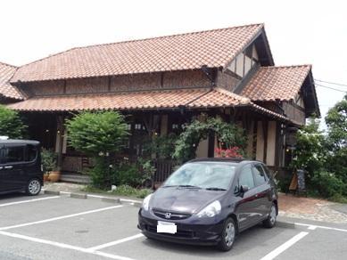 カフェ サルーテのお店の外観