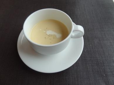 サンクスランチのコーンスープ