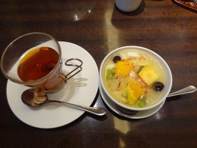 花珠ランチコースのデザートとドリンクの八宝茶