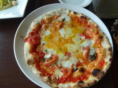 4種類のチーズのピザ