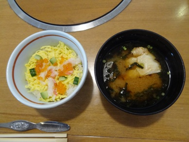 レディース御膳のミニちらし寿司とお椀