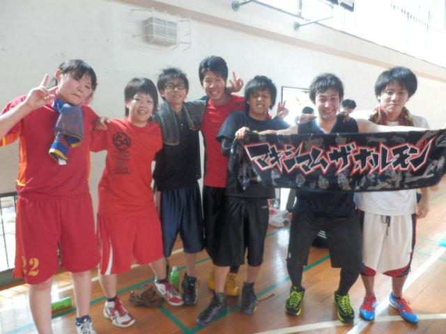 H25学祭バスケ2年集合
