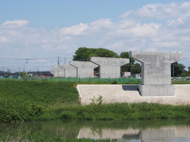 茨城県との県境部分の中川から。画面奥が茨城県。