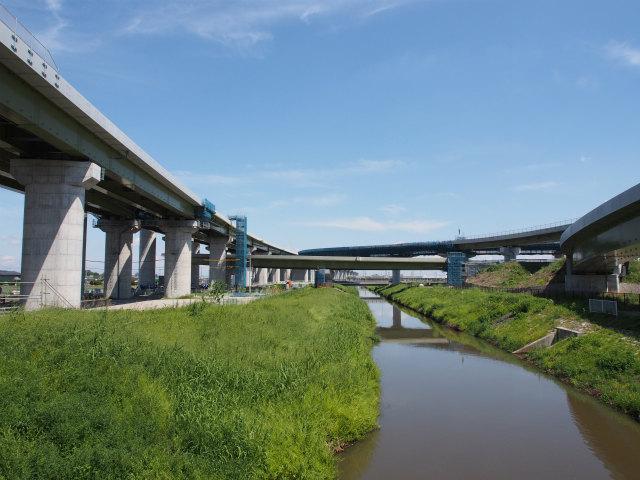 備前堀川上の上尾久喜線から幸手インター方面。