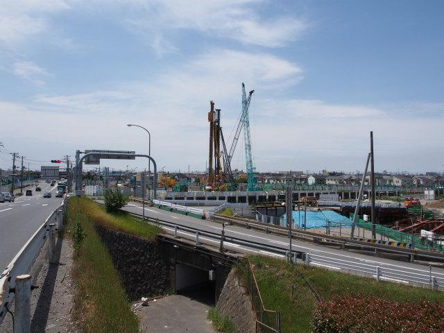 この下が京葉道路とのアクセス部になります。地下はどれくらい進んでいるのかな?