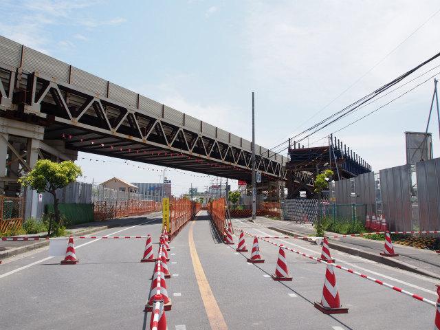 県道市川浦安線との交差部。一部で迂回路が作られていました。