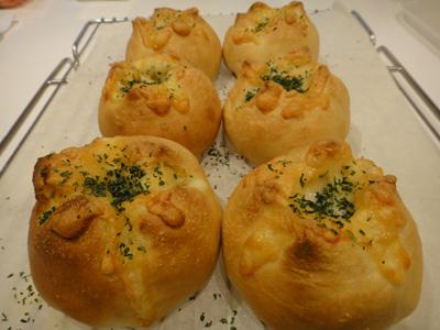 手作りパン♪アンチョビポテト