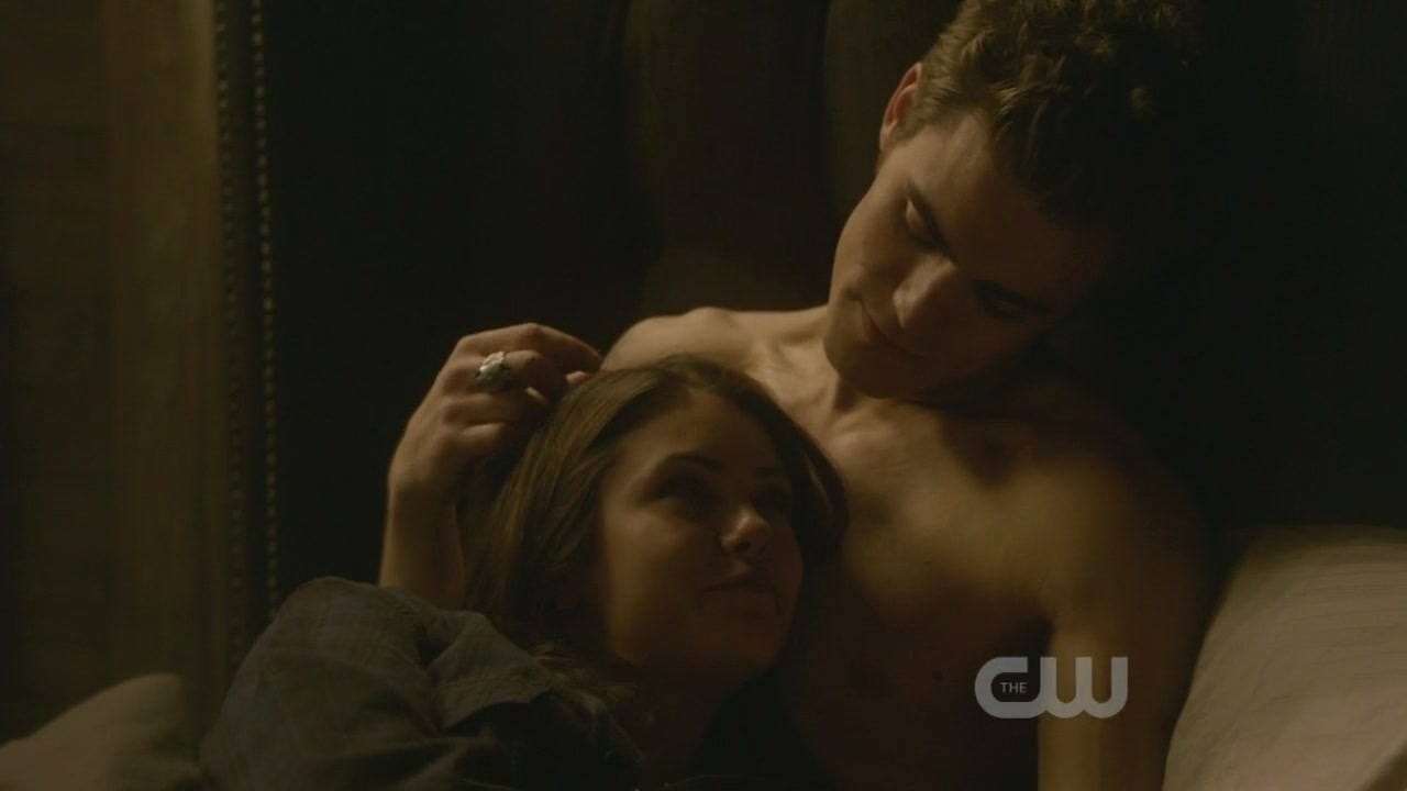 1x10-The-Turning-Point-the-vampire-diaries-tv-show-9123450-1280-720.jpg