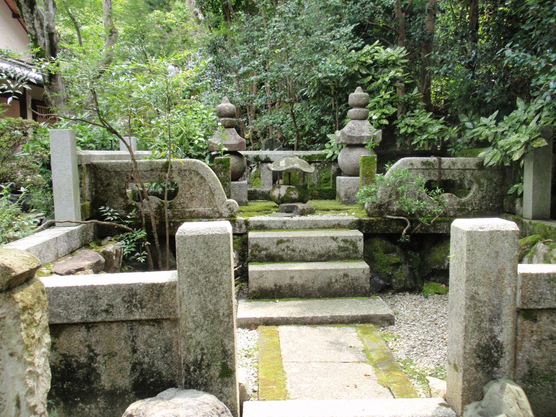 安楽寺・安楽、住連の墓