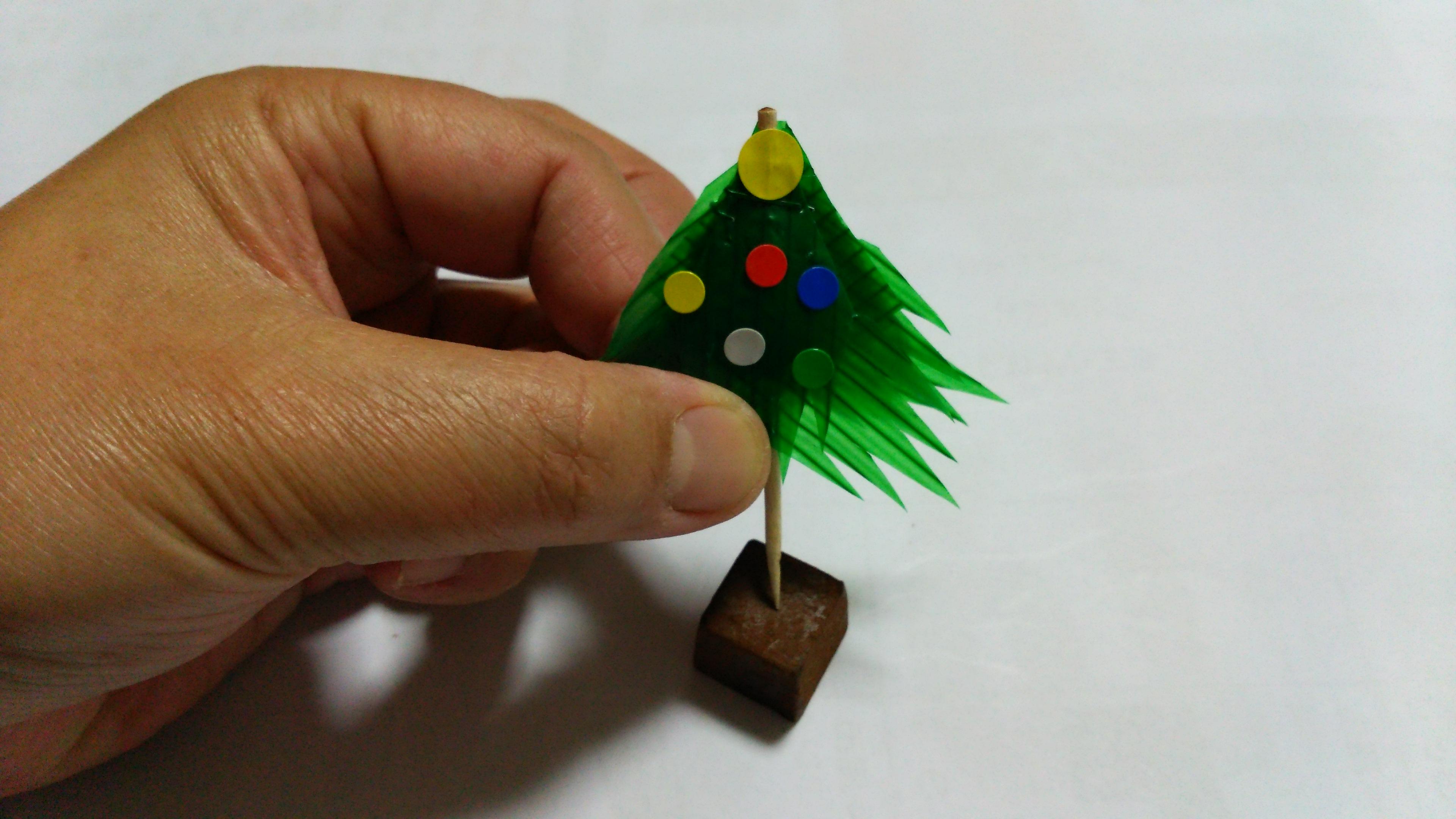 バランでクリスマスツリー土台はチョコレートや焼き菓子など