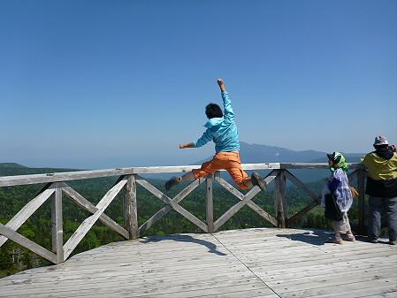 八幡平山頂へ行ってみた02(2012.6.26)ジャンプ!