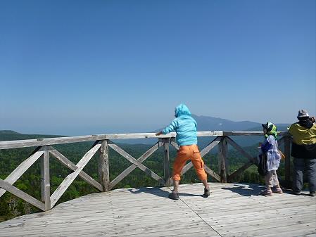 八幡平山頂へ行ってみた03(2012.6.26)ジャンプ!