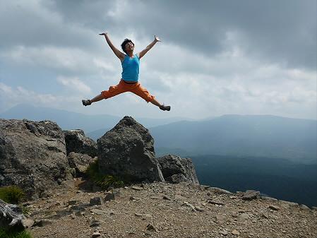 夏の茶臼岳01(2012.7.31)ジャンプ!