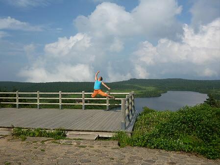 八幡平山頂散策01(2012.7.31)ジャンプ!