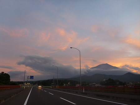 夕焼けの岩手山08(2012.8.4)