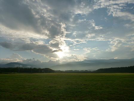 上坊牧野の虹と夕焼け08(2012.8.10)