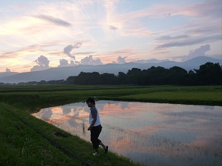 きれいな夕焼け14(2012.8.27) ジャンプ!