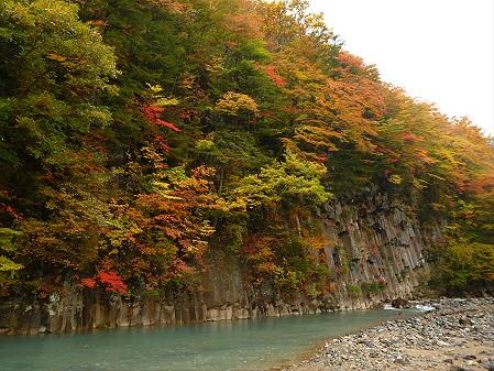 松川渓谷玄武岩08(2012.10.23)