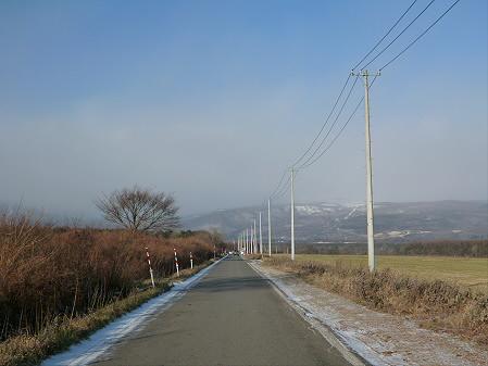上坊牧野の道01(2012.12.5)