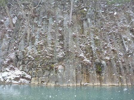 松川渓谷玄武岩07(2012.12.5)