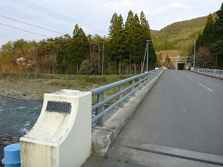 安比川の桜並木01(2012.5.7)