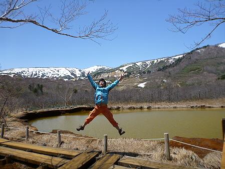 御在所散策35(2012.5.13) ジャンプ!