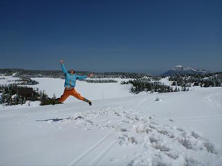 八幡平山頂散策01(2012.5.13)ジャンプ!