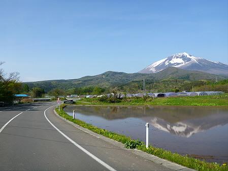朝、田んぼがある風景03(2012.5.14)