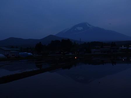 夕方、田んぼのある風景02(2012.5.17)