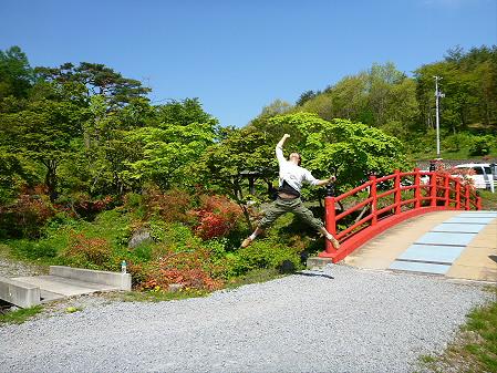 長嶺神社01(2012.5.20)ジャンプ!