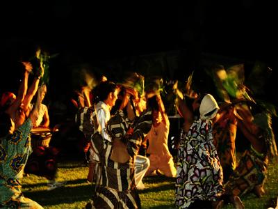 アフリカンダンス部、盛り上げます